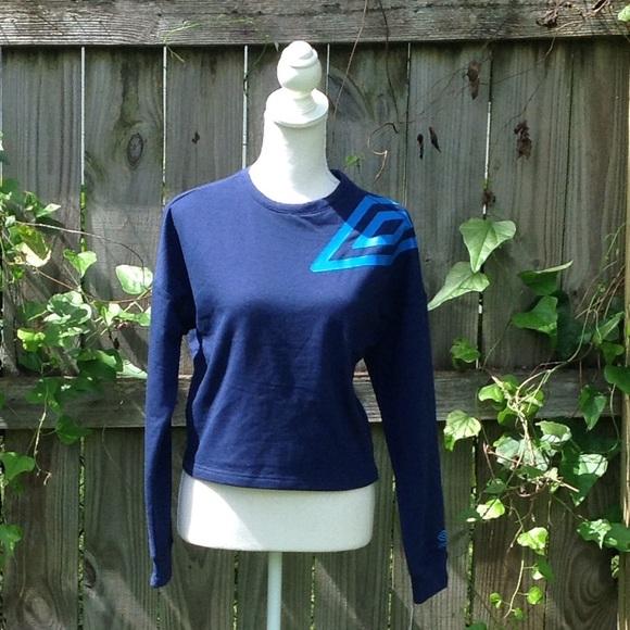 Umbro Tops - Umbro cropped sweatshirt